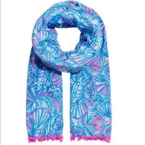 My fans scarf blue and pink